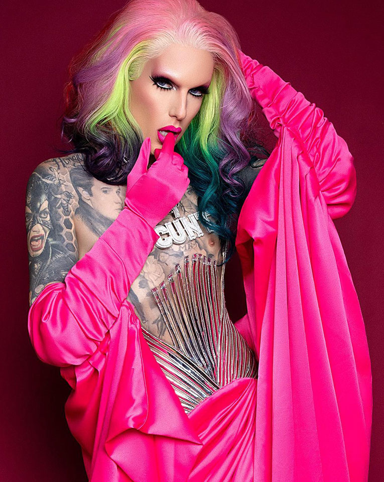 Jeffree star possing for his shoot