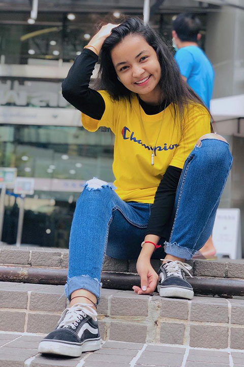 Mamta Acharya in yellow tshirt and blue jeans